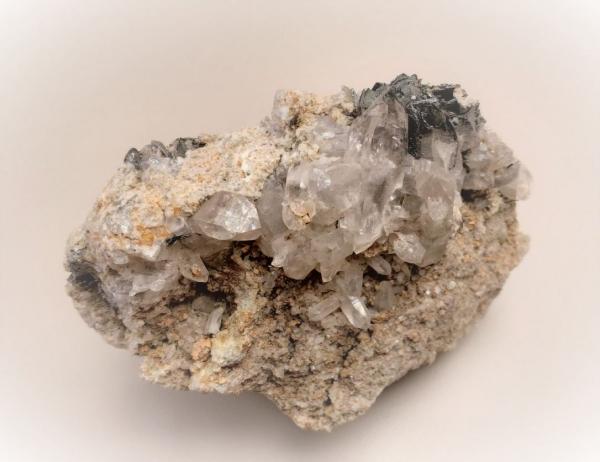 Bergkristall mit Hämatit